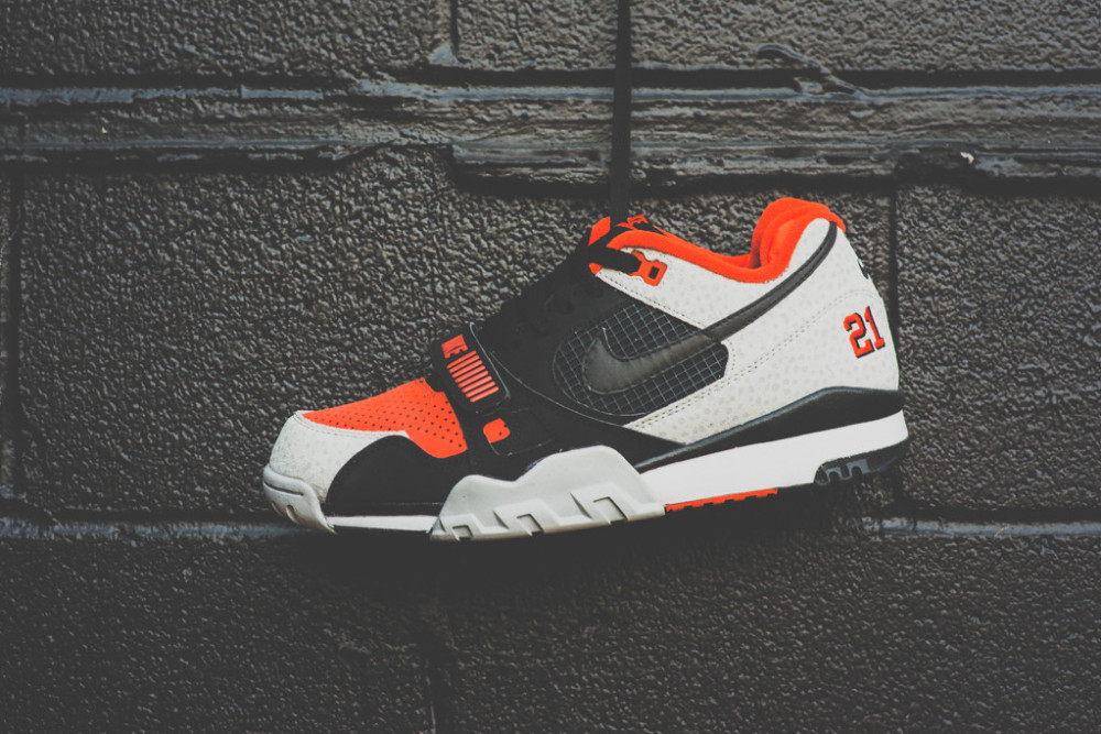 Nike Air Trainer 2 Premium Black Team Orange 7 1000x667
