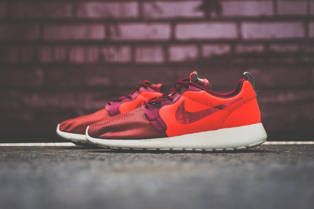 Nike Roshe Run Hyperfuse Team Red 1 1000x667