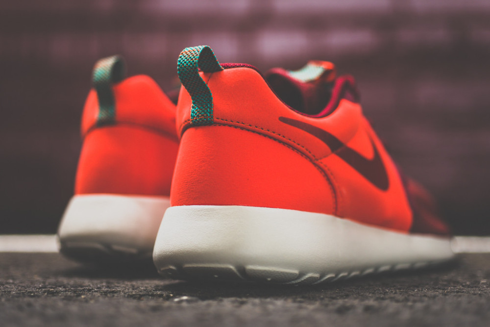 Nike Roshe Run Hyperfuse Team Red 2 1000x667