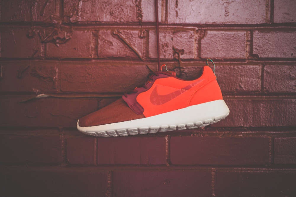 Nike Roshe Run Hyperfuse Team Red 5 1000x667