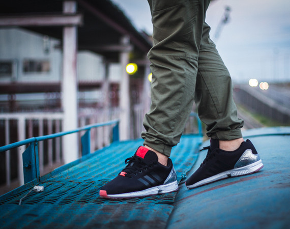 FACESLACES x adidas Originals ZX FLUX Teufelsberg 1