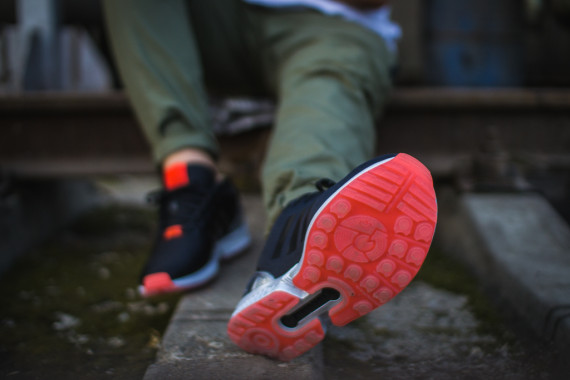 FACESLACES x adidas Originals ZX FLUX Teufelsberg 10