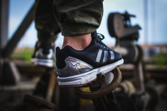 FACESLACES x adidas Originals ZX FLUX Teufelsberg 11