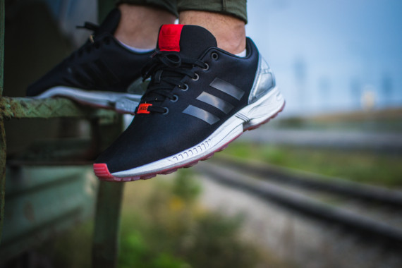 FACESLACES x adidas Originals ZX FLUX Teufelsberg 12