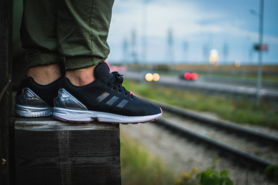 FACESLACES x adidas Originals ZX FLUX Teufelsberg 15