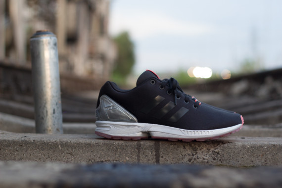 FACESLACES x adidas Originals ZX FLUX Teufelsberg 3