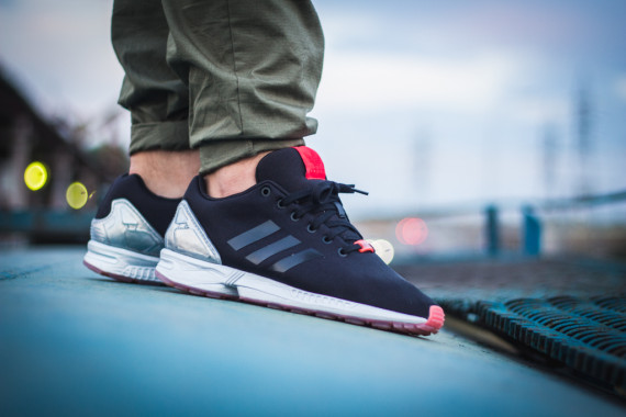 FACESLACES x adidas Originals ZX FLUX Teufelsberg 7