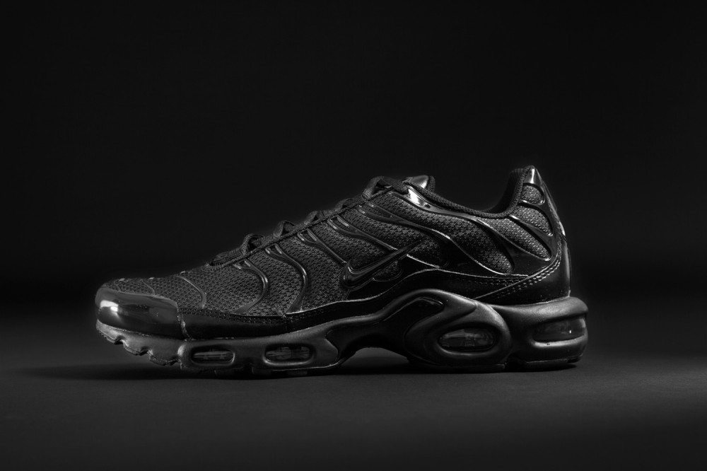 Foot Locker–Triple Black Collection 6 1000x666