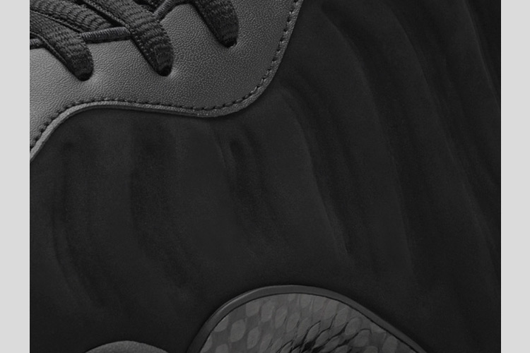 Nike Air Foamposite One Triple Black 3
