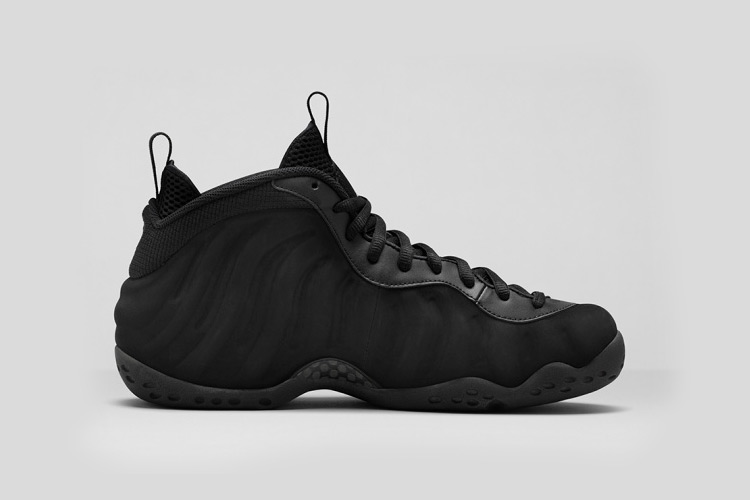 Nike Air Foamposite One Triple Black 6