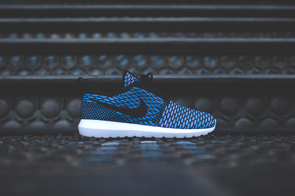 Nike Flyknit Roshe Run Black Neo Turquoise 2 1000x664
