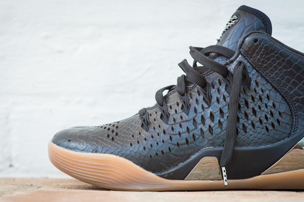 Nike Kobe 9 Mid EXT Black Black 2 1000x667