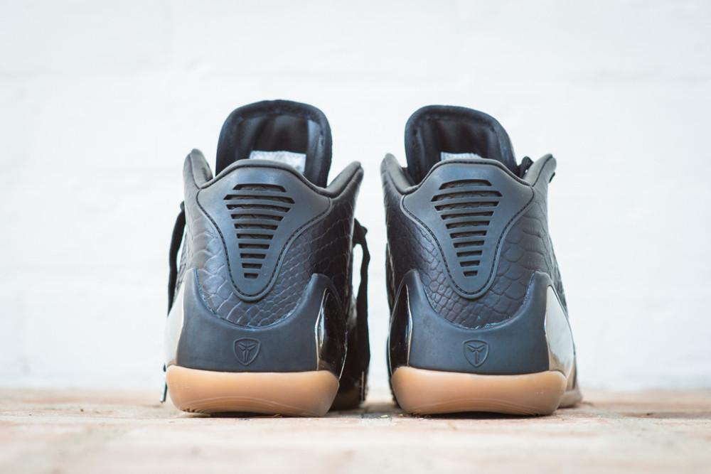 Nike Kobe 9 Mid EXT Black Black 3 1000x667
