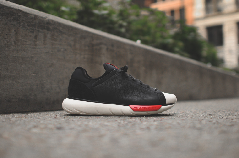 adidas Y 3 Qasa Shell Black Chalk White 2 1000x664