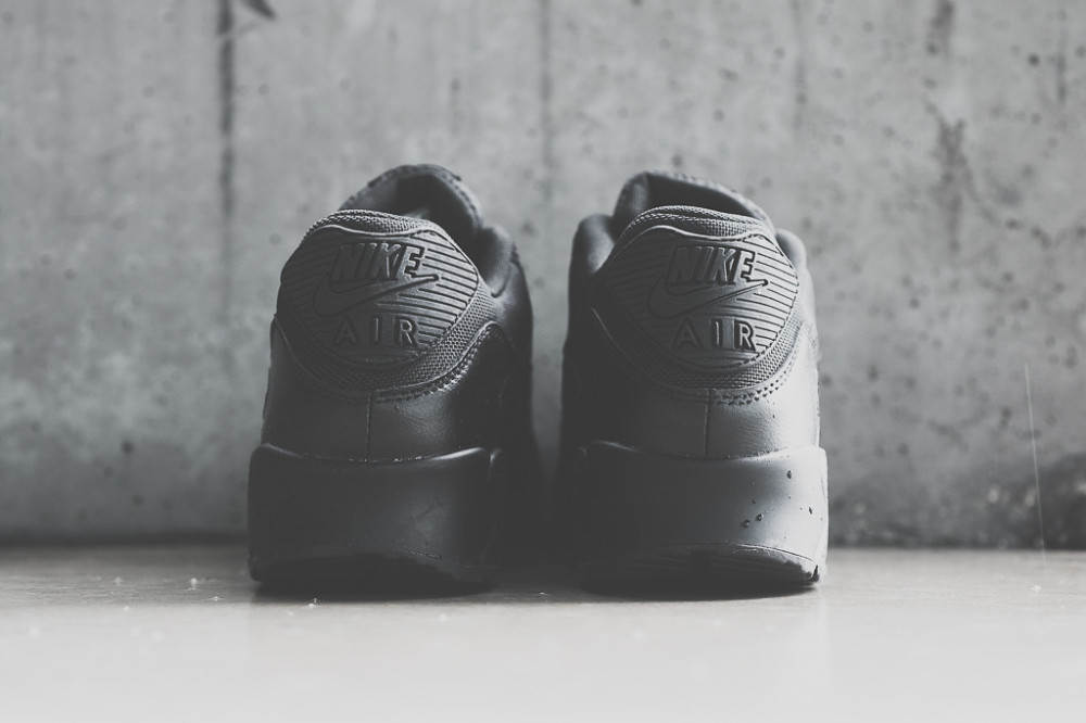 Nike Air Max 90 Triple Black 3 1000x666