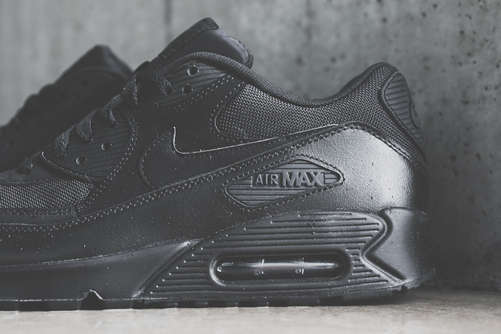 Nike Air Max 90 Triple Black 5 1000x667