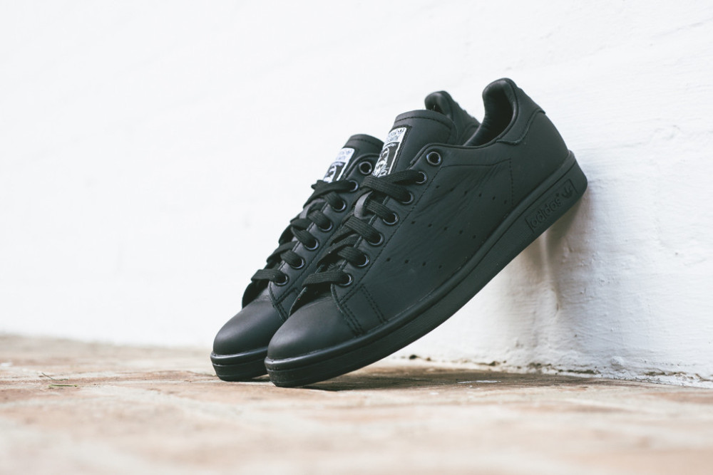 Pharell Williams x adidas Stan Smith Solid Pack Black 1 1000x667