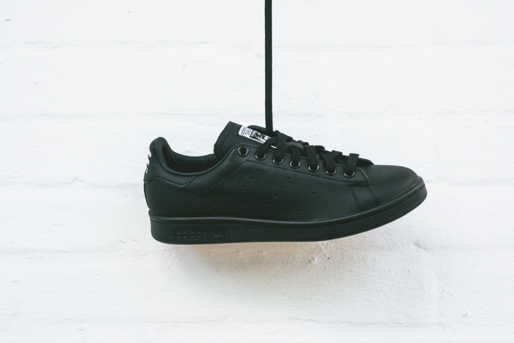 Pharell Williams x adidas Stan Smith Solid Pack Black 4 1000x667
