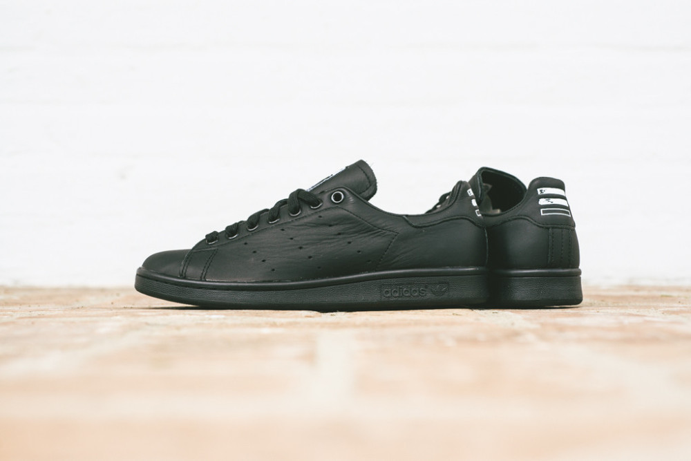 Pharell Williams x adidas Stan Smith Solid Pack Black 5 1000x667