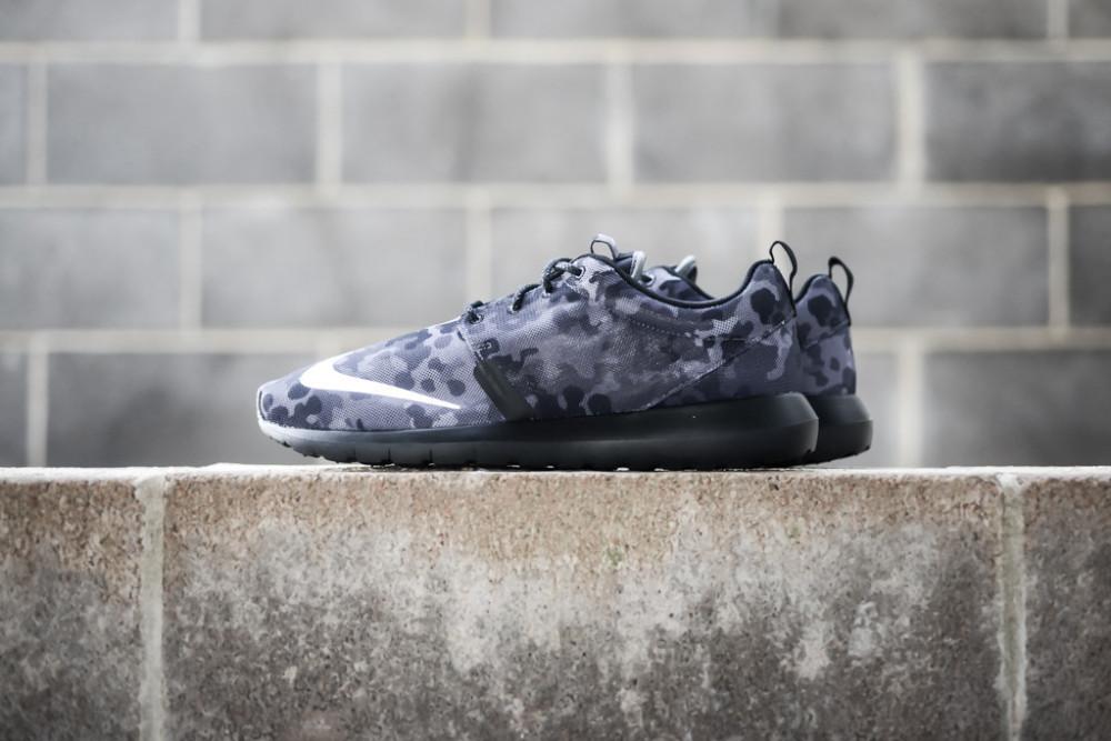 Nike Roshe Run NM FB Dark Grey 1 1000x667