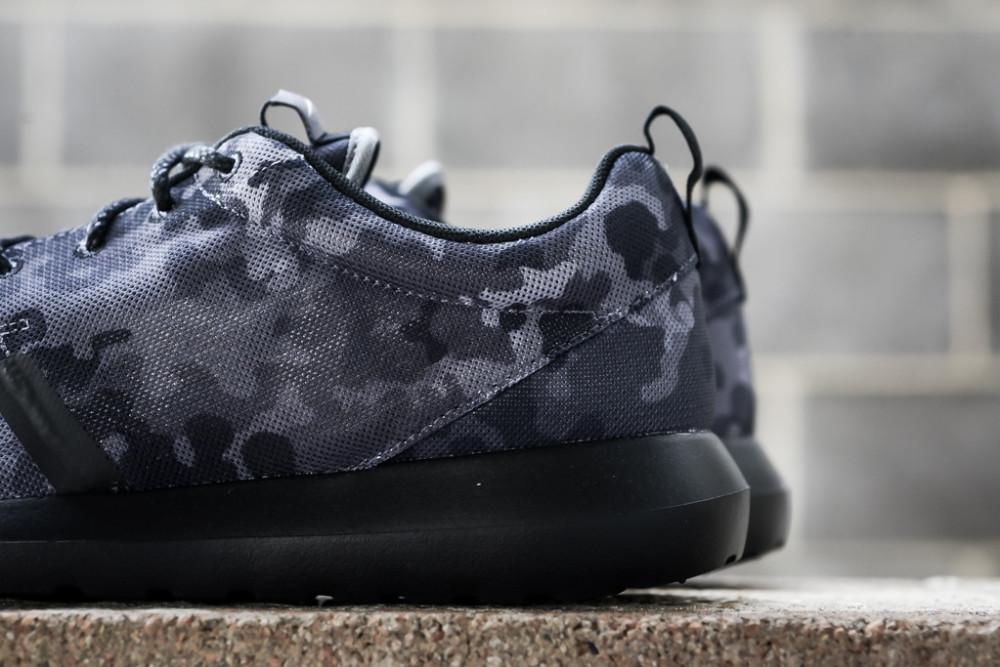 Nike Roshe Run NM FB Dark Grey 3 1000x667
