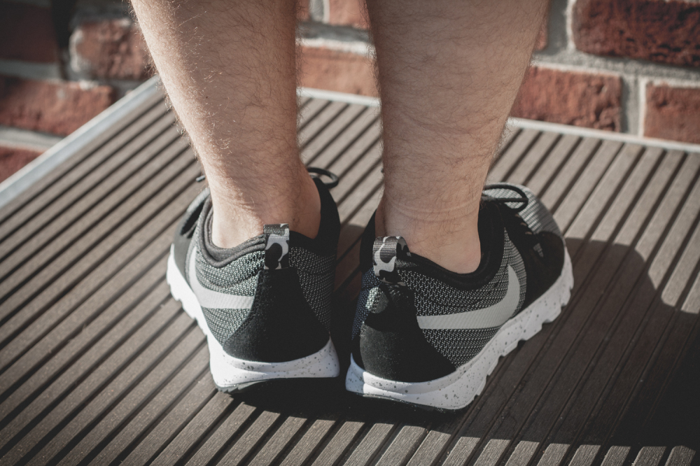 Nike SB Trainerendor–Black White Review7 1000x666