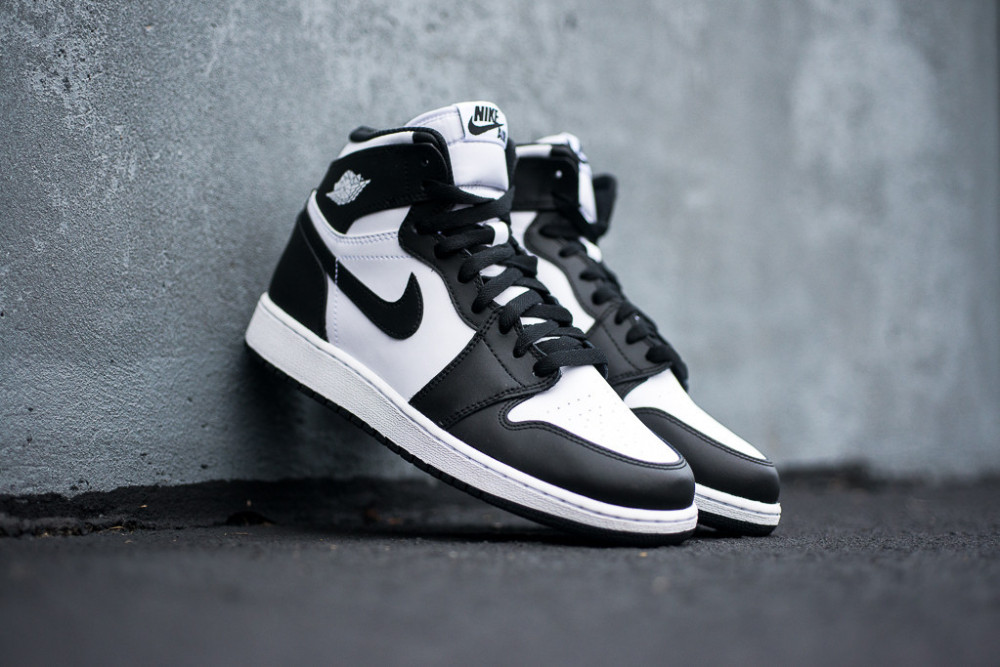 Air Jordan 1 Retro High OG Black White 7 1000x667