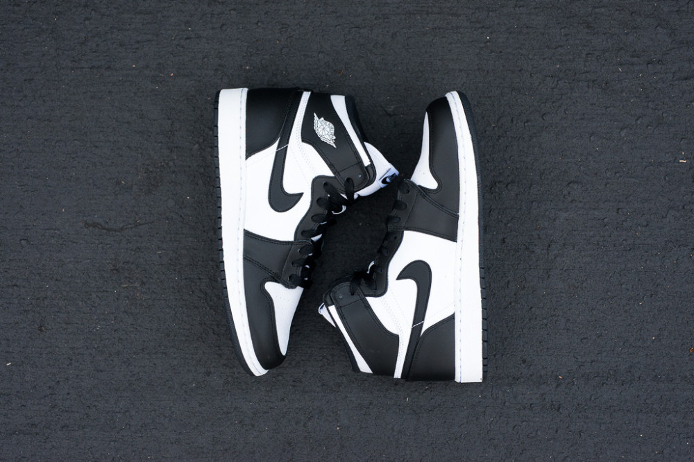 Air Jordan 1 Retro High OG Black White 8 1000x666