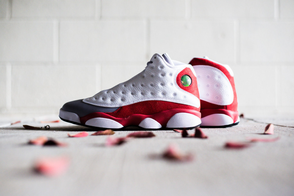 Air Jordan 13 Retro True Red 1 1000x667