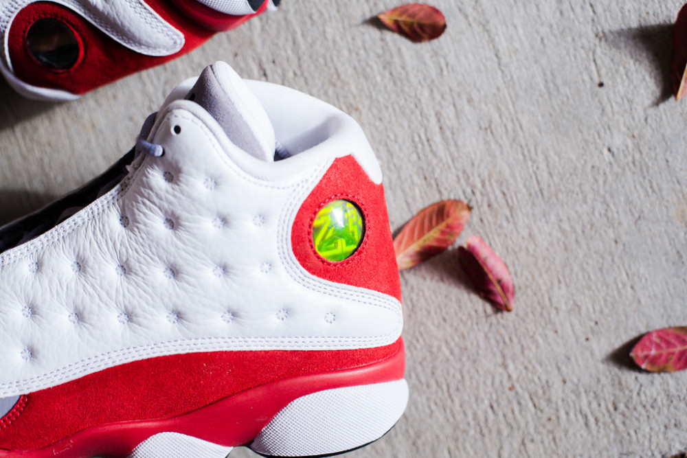 Air Jordan 13 Retro True Red 2 1000x667