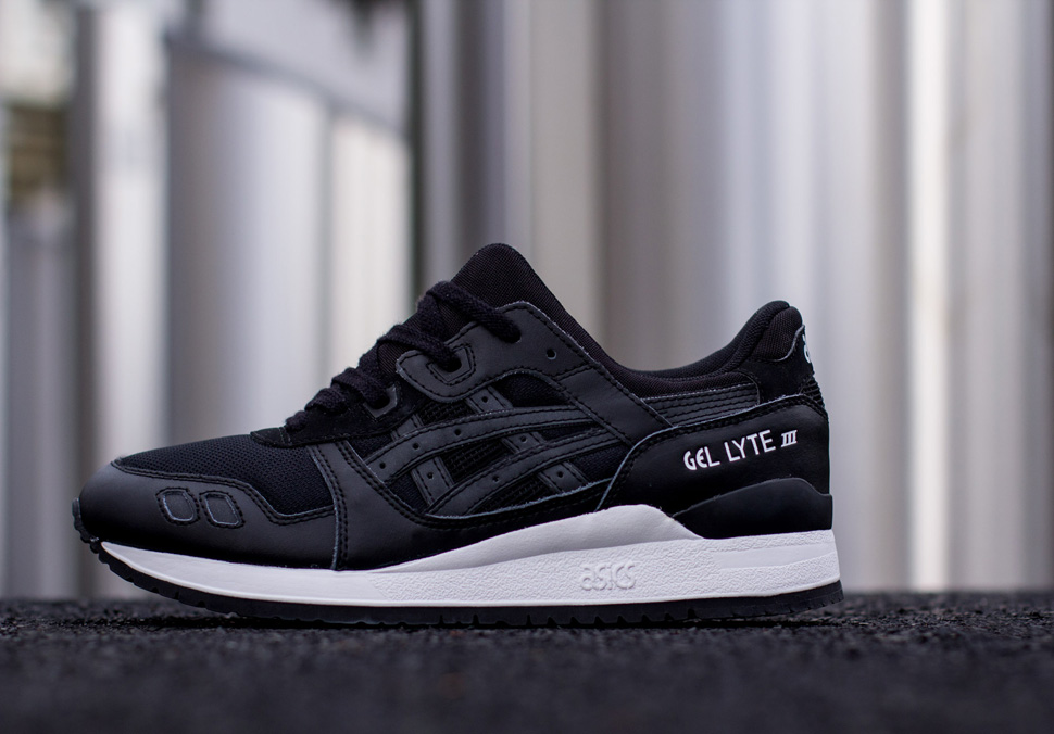 Asics Black White Pack 9