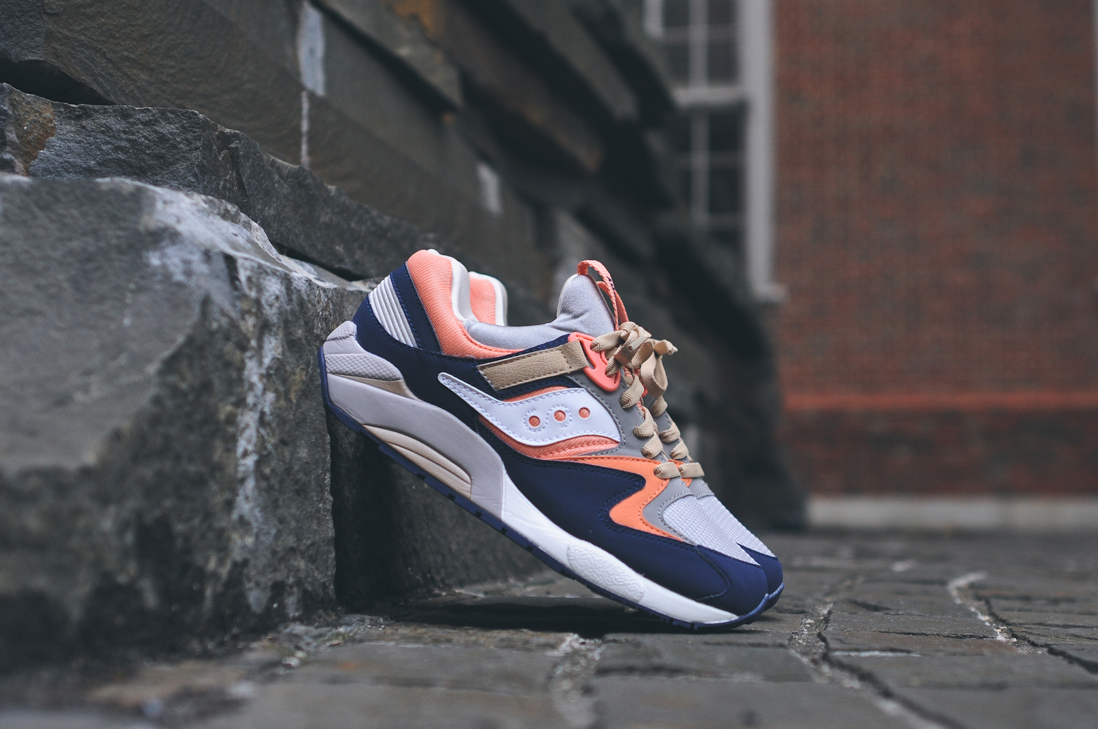 KITH x Saucony Grid 9000 Navy Coral 1