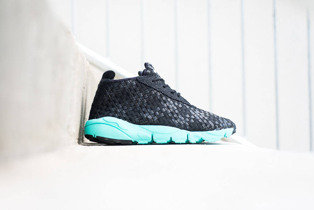 Nike Air Footscape Desert Chukka Black Hyper Turq 1