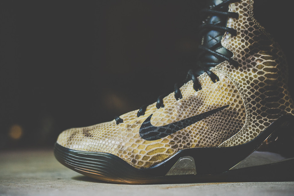 Nike Kobe 9 High EXT Black Black 5 1000x667