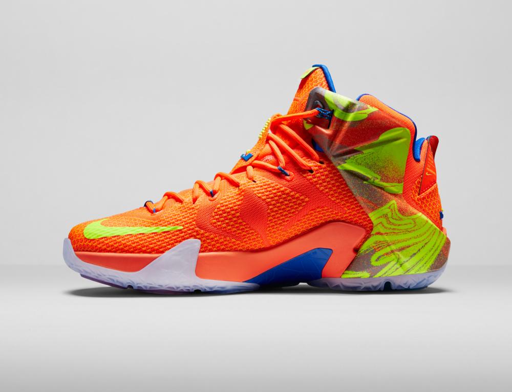 Nike LeBron 12 Personifizierte Leistung 19 1000x766