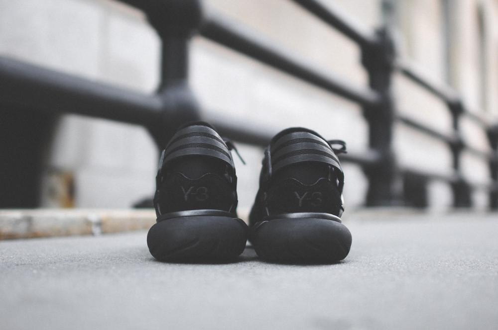 adidas Y 3 Qasa Racer Triple Black 4 1000x664