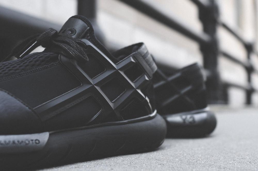adidas Y 3 Qasa Racer Triple Black 7 1000x664