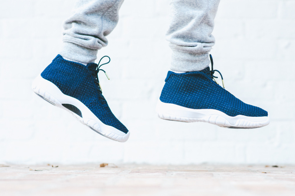 Air Jordan Future Midnight Navy 1 1000x666