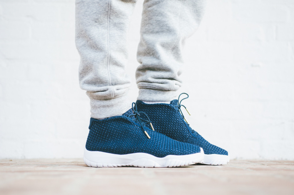 Air Jordan Future Midnight Navy 2 1000x666