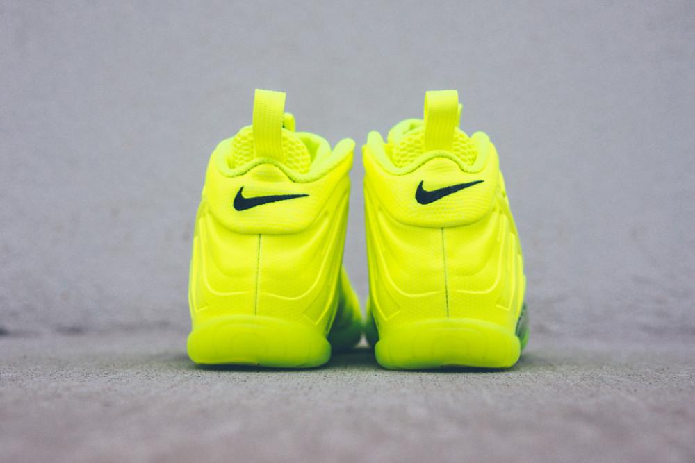 Nike Air Foamposite Pro Volt 3 1000x667