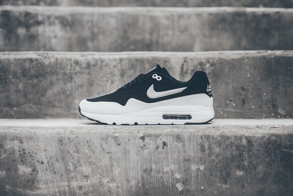 Nike Air Max 1 Ultra Moire Black White 1