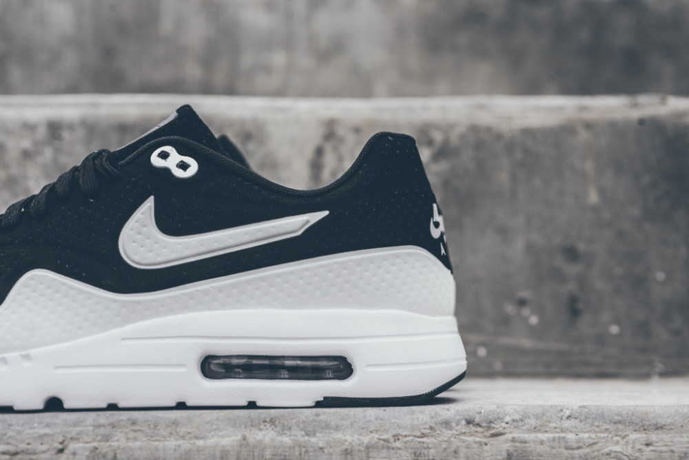 Nike Air Max 1 Ultra Moire Black White 2 1000x668