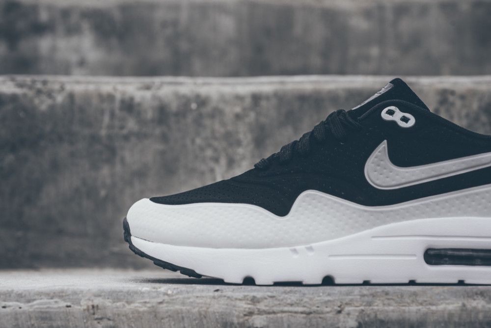 Nike Air Max 1 Ultra Moire Black White 3 1000x668