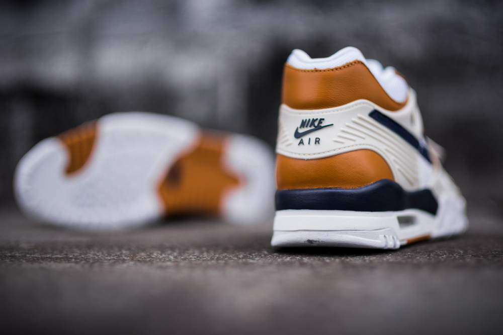 Nike Air Trainer 3 PRM Medicine Ball 4 1000x666