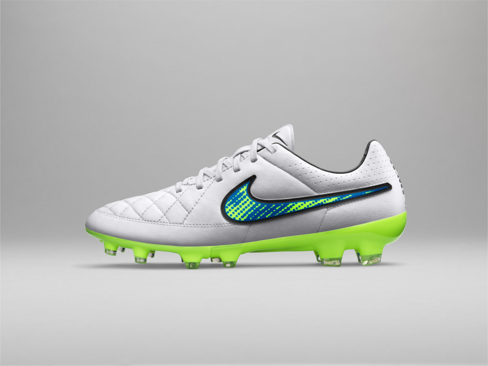 Nike Football Shine Through Kollektion 23 1000x750