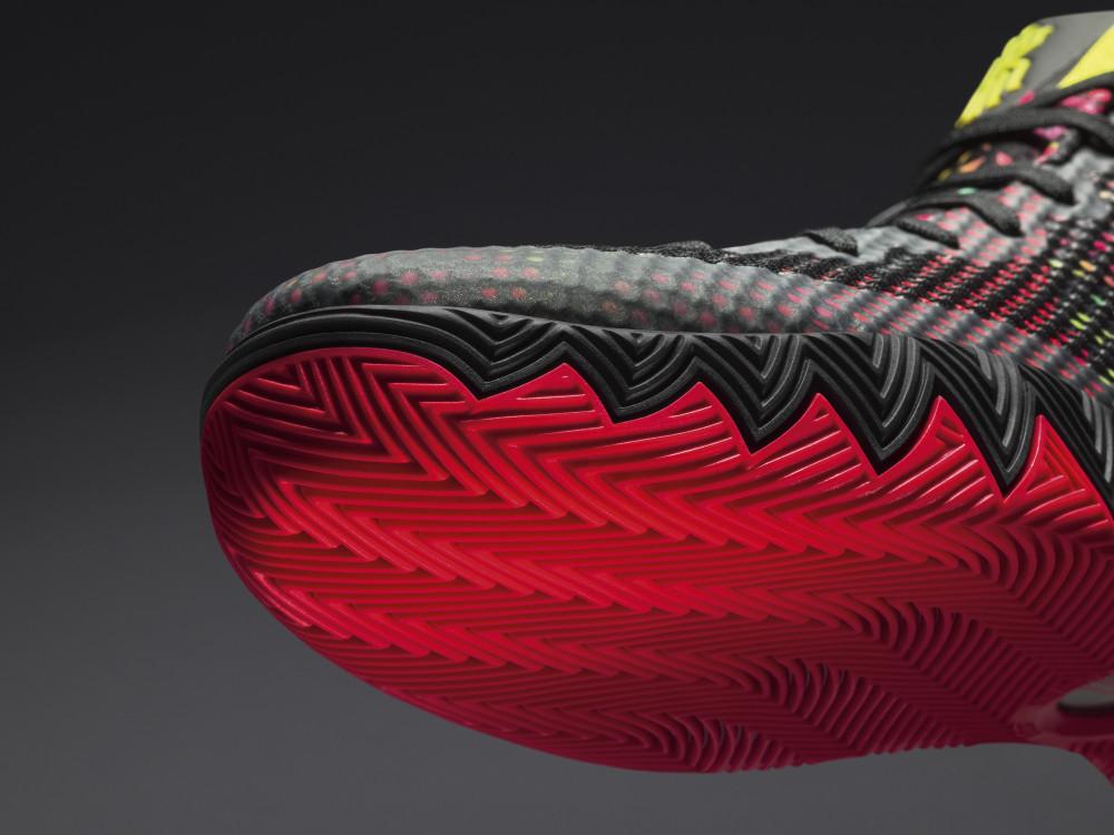 Nike KYRIE 1 14 1000x750