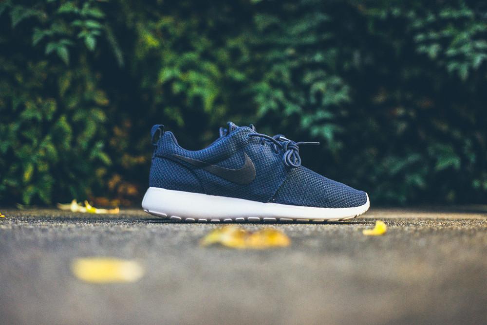 Nike Roshe Run Midnight Navy 2 1000x668