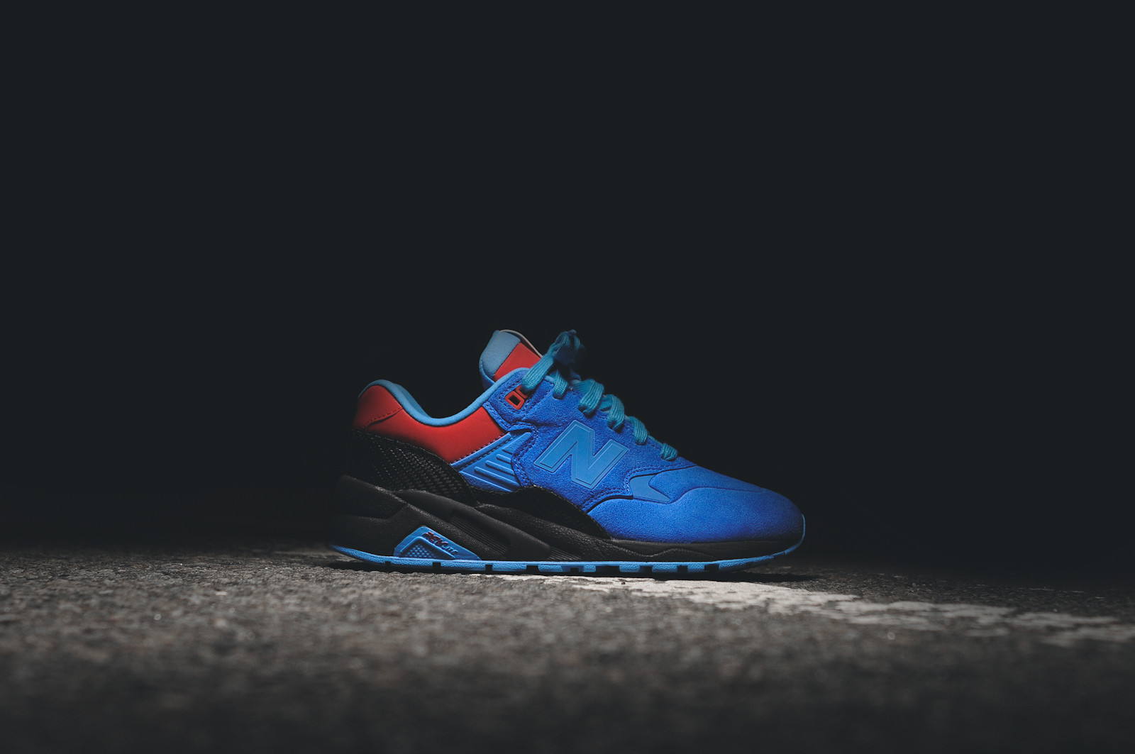 Shoe Gallery x New Balance MRT580 Tour De Miami 1
