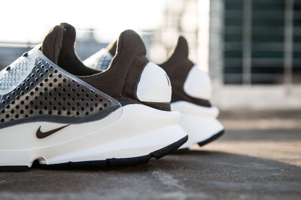 fragment design x Nike Sock Dart Dark Loden 4 1000x666