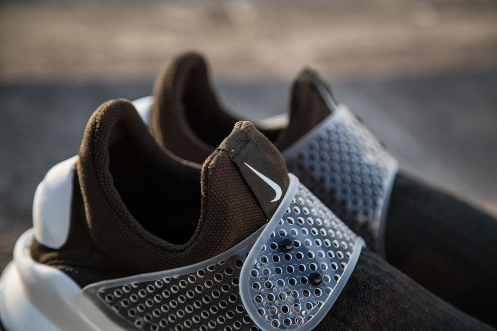 fragment design x Nike Sock Dart Dark Loden 5 1000x666